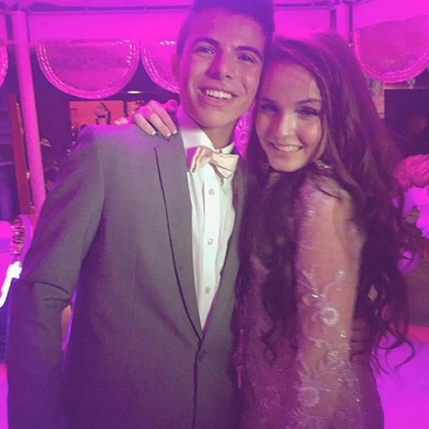 1b5e051a15433 Larissa Manoela celebra 15 anos com festa de debutante clássica ...