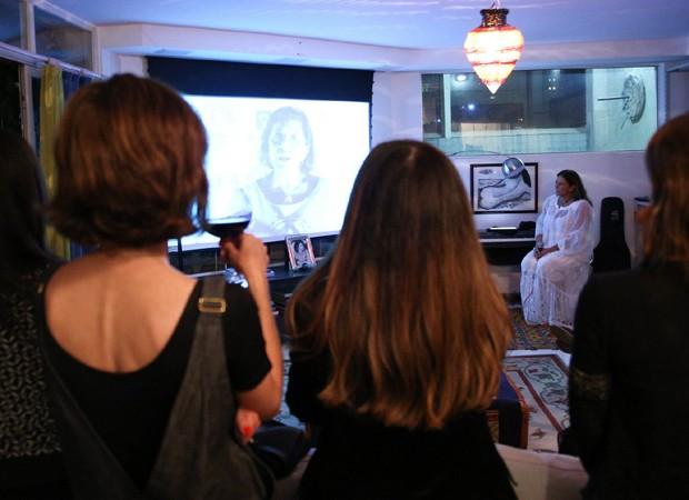 Fafá de Belém assiste a DVD com convidados (Foto: Deividi Corrêa/AgNews)