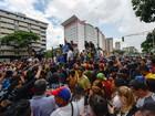 Opositores saem às ruas na Venezuela para cobrar trâmites de referendo