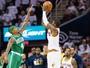 Celtics e Cavs, enfim, selam troca de Isaiah Thomas por Kyrie Irving