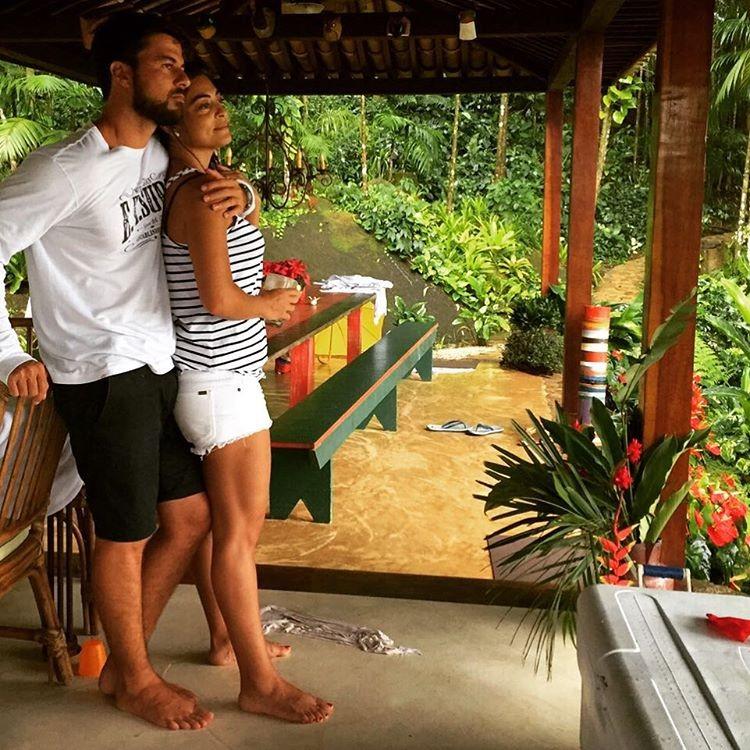 o amor juliana paes posta foto rom ntica com o marido marie claire celebridades. Black Bedroom Furniture Sets. Home Design Ideas