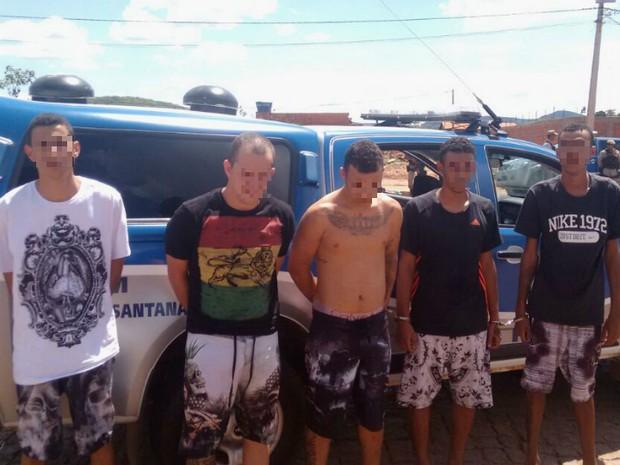 Grupo suspeito de assaltar banco em Goiânia foi preso na Bahia (Foto: Divulgação/Secretaria de Segurança Pública)