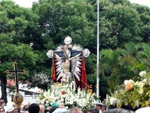 Imagem de Bom Jesus dos Navegantes seguirá até a igreja da Boa Viagem (Foto: Cássia Bandeira/G1)
