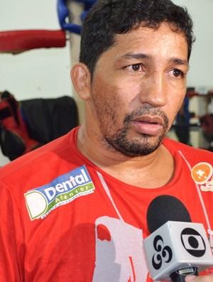 Treinador Ronaldo Silva, da Academia América Champion de Boxe, será o chefe da delegação de Roraima (Foto: Rodrigo Litaiff)