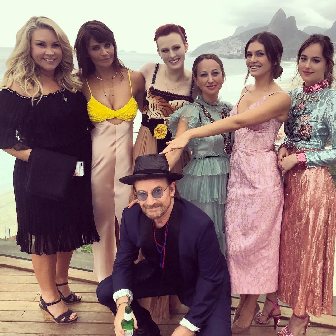 Helena Christensen, Karen Elson, Bono Vox,  Dakota Johnson e Jen Myer (Foto: Instagram/Reprodução)
