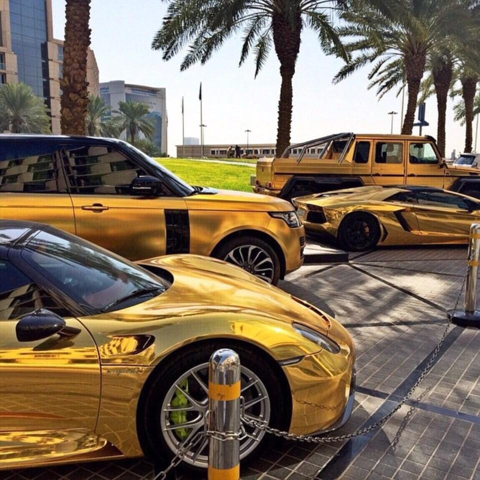 As supermáquinas do saudita são folheadas em ouro