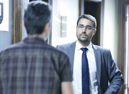 Faustini vai atrás de Romero para pressioná-lo por crimes