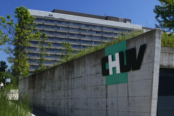 Centro Hospital Universitário de Vaudois, em Lausanne, onde Michael Schumacher deu entrada nesta segunda-feira (Foto: Reuters)