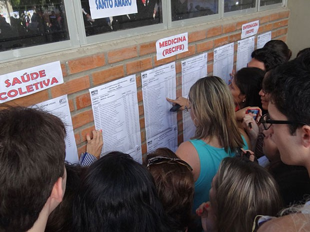 Listão da UPE 2013 (Foto: Katherine Coutinho / G1)