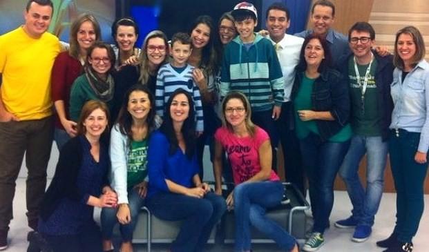 Equipe da RBS TV fotografaram com a equipe (Foto: Divulgação)