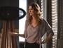 Natasha aconselha Eliza e a incentiva a posar nua