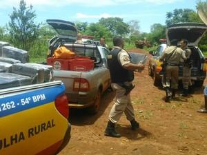 Policias de Capinópolis, Ipiaçu e Ituiutaba realizaram a operação (Foto: Polícia Militar/Divulgação)