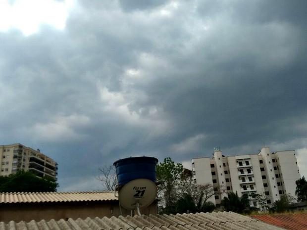 Previsão do Tempo Acre - Nublado  (Foto: Quésia Melo/ G1)