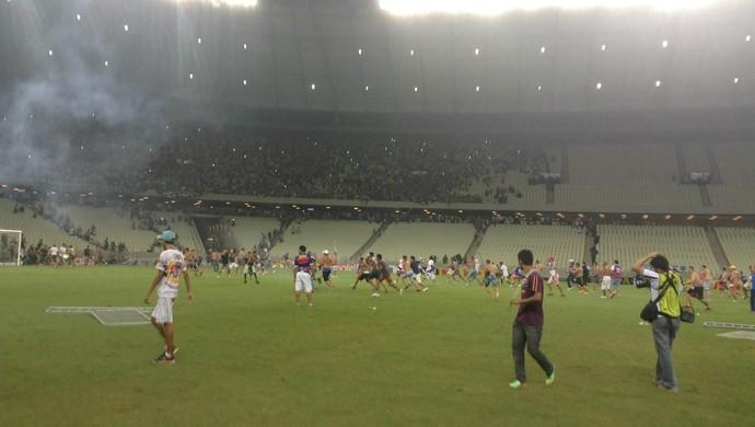 Briga Ceará x Fortaleza no Castelão (Foto: Thais Jorge / GloboEsporte.com)