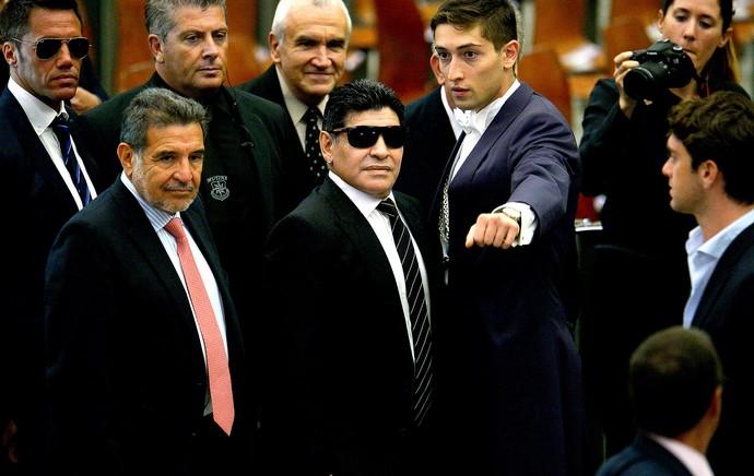 Maradona encontro de jogadores com o Papa no Vaticano (Foto: AFP)