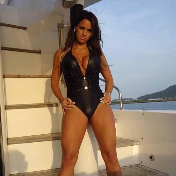 panicat é ex-'Legendários', já posou nua e trabalhou como ring girl