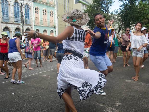 Integrantes do Arraial do Pavulagem aquecem ritmo de ensaios para arrastão junino, em Belém. (Foto: Dah Passos/Divulgação)