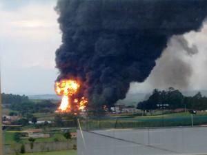 Incêndio em fábrica de Boituva (Foto: Rodrigo Gouveia/TEM Você)