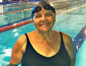 Maria Abadia, nadadora master de Uberaba (Foto: Mariáurea Machado/GLOBOESPORTE.COM)