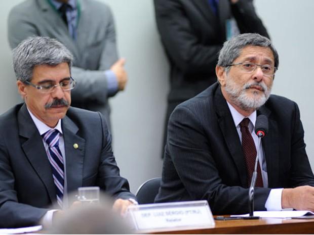 O ex-presidente da Petrobras José Sérgio Gabrielli, durante depoimento à CPI da Petrobras na Câmara (Foto: Lúcio Bernardo Jr. / Câmara dos Deputados)