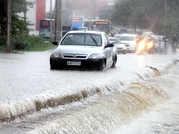 Moradores devem seguir orientações da Defesa Civil em caso de chuva forte (Foto: De Jesus/O Estado)