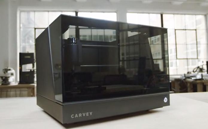 Carvey é máquina de corte portátil que cria objetos a partir de dezenas de materiais (Foto: Reprodução/Kickstarter)