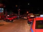 Taxistas protestam em frente à casa de Sartori após morte de colega no RS