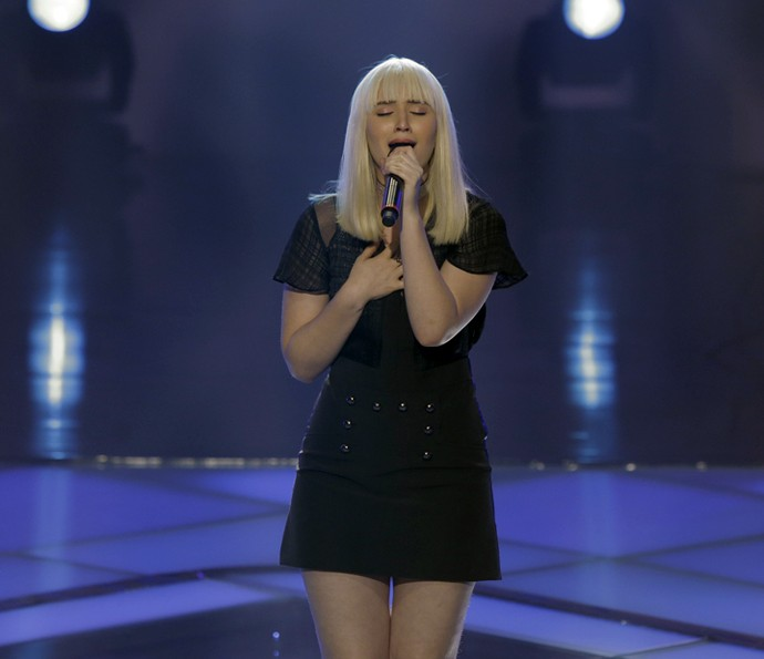 Gabriela Ferreira canta ' You Give Me Something' (Foto: Artur Meninea/Gshow)