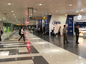 Mesmo com voos alternados, movimentação no Eduardo Gomes foi tranquila (Foto: Gabriel Machado/G1 AM)