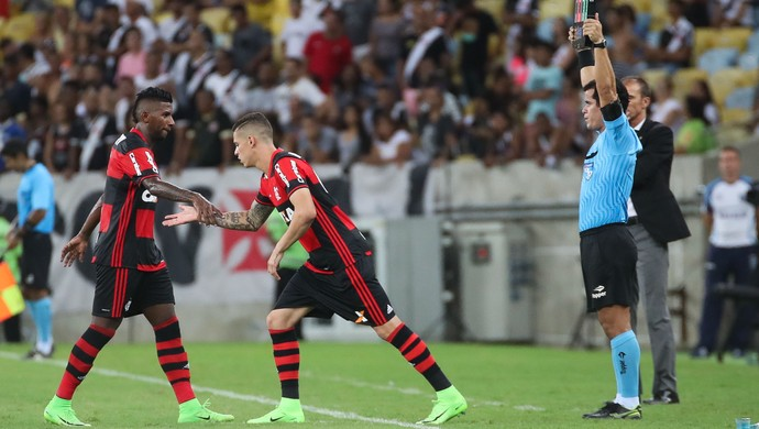 Rodinei e Ronaldo Flamengo x Vasco (Foto: Gilvan de Souza/Flamengo)