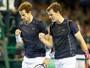 Irmãos Murray vencem argentinos nas duplas, e britânicos seguem na semi