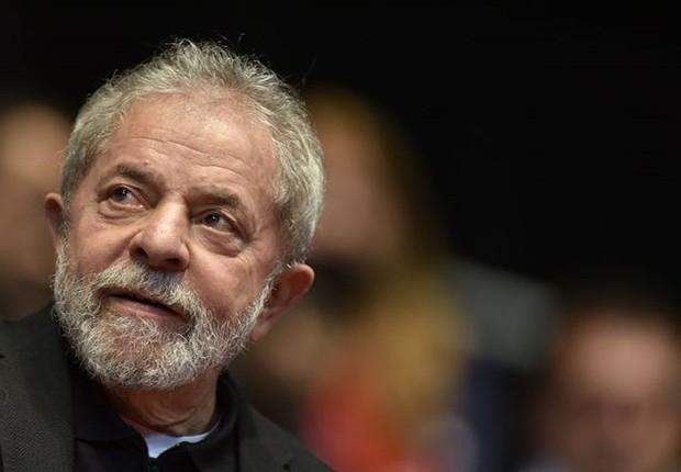 O ex-presidente Luiz Inácio Lula da Silva participa do 12° Congresso da Central Única dos Trabalhadores (CUT) em Belo Horizonte, em 28 de agosto de 2015 (Foto: Douglas Magno/AFP/Getty Images)