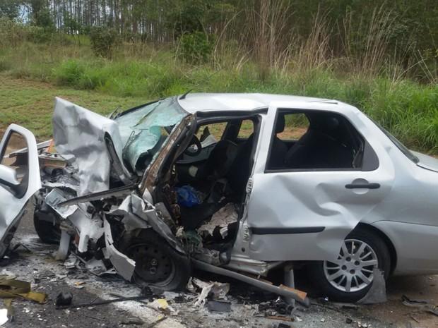 Mulher grávida e marido morrem em acidente; filho de 5 anos fica ferido em Goiás (Foto: Divulgação/PRF)