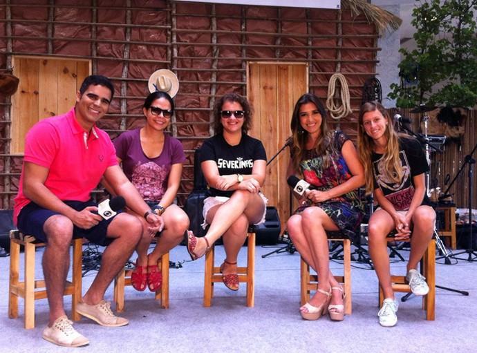 Helder Vilela, Simone Castro e o trio As Severinas (Foto: Gshow/Rede Clube)