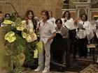 Famosos vão à missa de sétimo dia da assessora de imprensa Ivone Kassu
