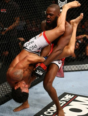 UFC 152 JOn jones e vitor belfort (Foto: Ag&#234;ncia Getty Images)