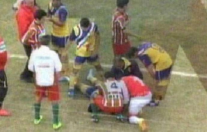 Micael Favre jogador morre em campo na Argentina (Foto: Reprodução / Ole)