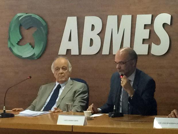O presidente da ABMES, Gabriel Mario Rodrigues e o secretário executivo do MEC, Luiz Cláudio Costa (Foto: Luciana Amaral/G1)