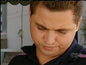 Pai da menina diz que procurou a Secretaria de Saúde do Tocantins (Foto: Reprodução/TV Anhanguera)
