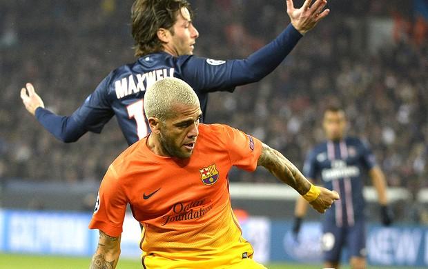 Daniel Alves  jogo PSG Barcelona (Foto: EFE)