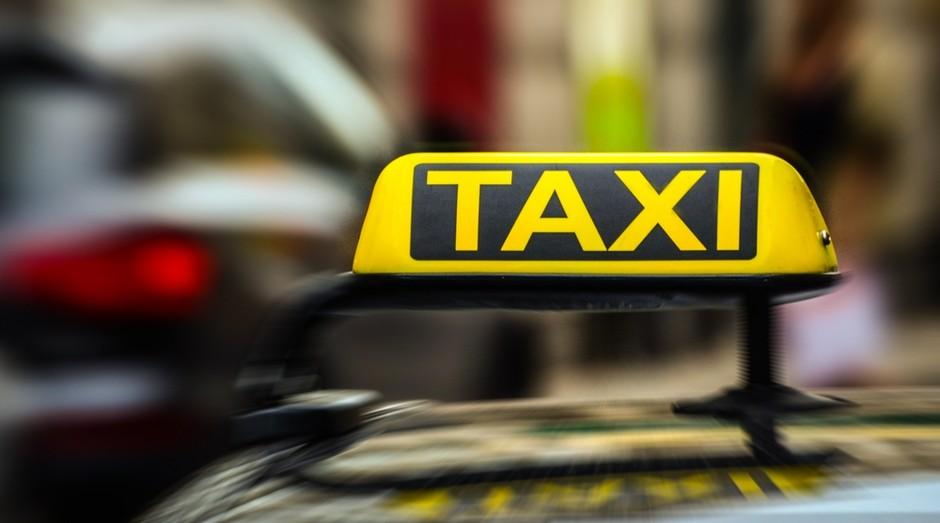 taxi, transporte, carro, veículos (Foto: Shutterstock)