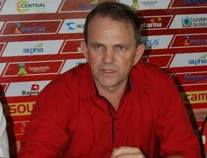 Paulo César Shardong, técnico do Campinense (Foto: Silas Batista / Globoesporte.com/pb)