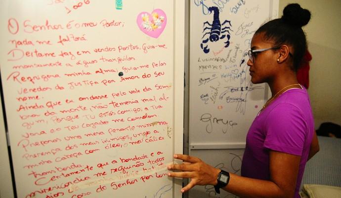 Atletas de fora da capital falam da vida na Vila Olímpica de Manaus (Foto: Mauro Neto/Sejel)
