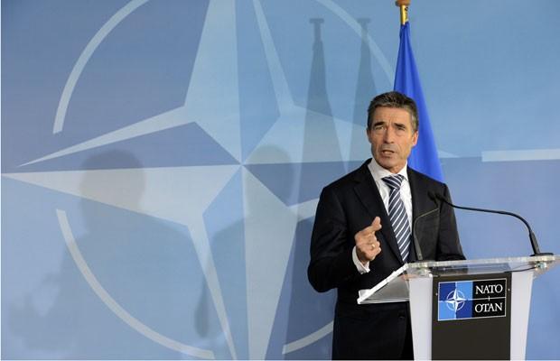 Anders Fogh Rasmussen, chefe da Otan, fala nesta terça-feira (9) em encontro em Bruxelas (Foto: Thierry Charlier/AFP)