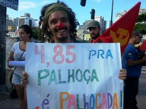 Manifestantes pedem redução da tarifa na Grande Florianópolis (Foto: Kadu Reis/Grupo RBS)