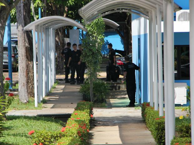Materiais apreendidos foram levados à sede da Polícia Federal (Foto: Suelen Gonçalves/G1 AM)