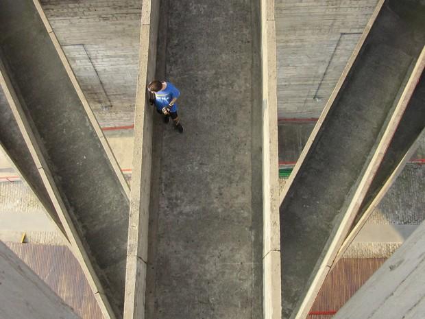 Passarelas ligam os dois blocos de esporte (Foto: Paulo Toledo Piza/G1)