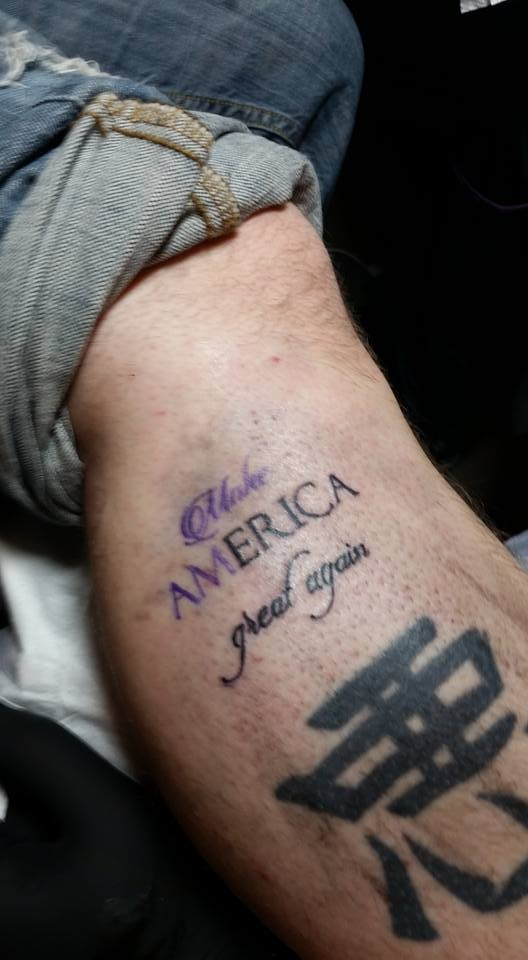 93bc8caf1 Trump stamp': tatuador oferece tatuagens de Donald Trump gratuitas ...
