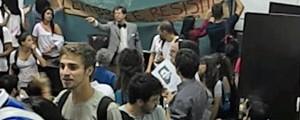 Professor da USP elogia golpe de 1964, e aula é invadida em protesto (Reprodução/Canto Geral)