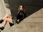 Giovanna Lancellotti posa para ensaio de moda e mostra opções de looks em couro